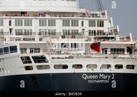 Queen Mary 2 QM2 cunard company cruise ship liner - Stock Photo