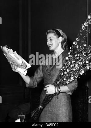 Bergman, Ingrid, 29.8.1915 - 29.8.1982, Swedish actress, half length, late 1950s, Additional-Rights-Clearances-NA - Stock Photo