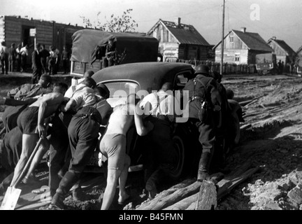 events, Second World War / WWII, Russia 1941, German car stuck in the mud, late summer/autumn 1941, Additional-Rights - Stock Photo