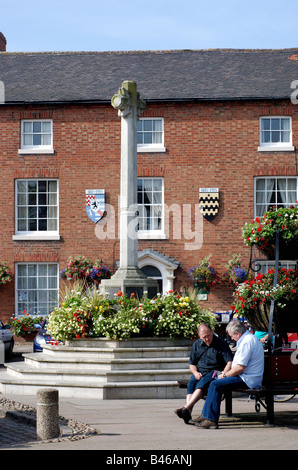 War Memorial and Market Place, Market Bosworth, Leicestershire, England, UK - Stock Photo