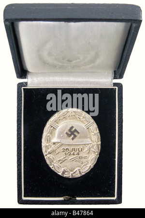 A Wound Badge '20 July 1944' in Silver., As new in the original presentation case. Massive silver, partially polished. - Stock Photo
