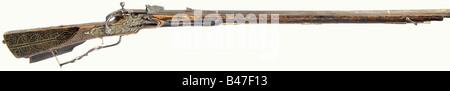A Baltic snaphaunce rifle, circa 1700. Rifled barrel in 8 mm calibre, a faceted section between an octagonal breech - Stock Photo
