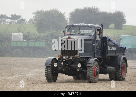 Scammell Mountaineer Morag 1952 Ballast Winch Tractor In Pickfords Livery - Stock Photo