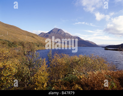 dh  LOCH LURGAINN ROSS CROMARTY Mountain Cul Beag autumn tree leaves scotland highlands beautiful - Stock Photo