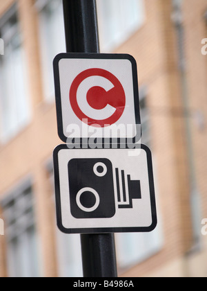 Congestion charge zone camera sign central London UK - Stock Photo