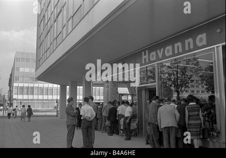 geography/travel, Germany, Berlin, streets, Unter den Linden, 1966, Additional-Rights-Clearances-NA - Stock Photo