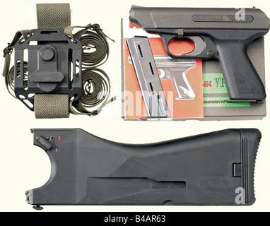 A Heckler & Koch model VP 70, calibre 9 mm Parabellum, no. 93584. Matching numbers. Bright bore. Standard inscription. - Stock Photo
