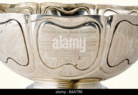Andreas Schau - a large silver dish., A Present of the British government for the rescue of the crew of the sunken - Stock Photo