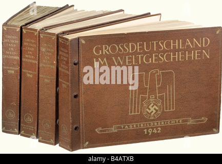 'Grossdeutschland im Weltgeschehen', volumes 1939, 1940, 1941, and 1942. Complete illustrated reports of all front - Stock Photo