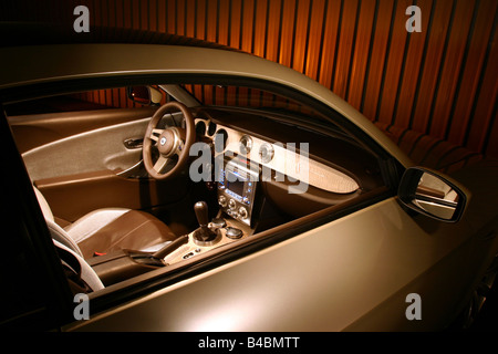 http://l450v.alamy.com/450v/b4bmtt/car-lancia-fulvia-study-draft-and-design-study-model-year-2003-silver-b4bmtt.jpg