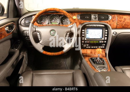 2003 Jaguar XJ8; Car, Jaguar XJ8 4.2, Limousine, Luxury Approx.s, Model  Year 2003