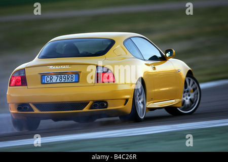 http://l450v.alamy.com/450v/b4c26r/car-maserati-gransport-v8-model-year-2004-yellow-roadster-coupecoupe-b4c26r.jpg