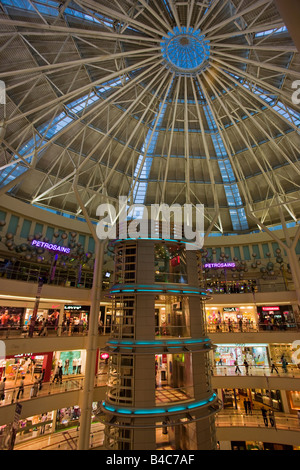 Asia, Malaysia, Selangor State, Kuala Lumpur, interior of a modern shopping complex at the foot of the Petronas - Stock Photo