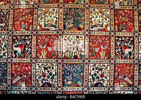 Grand Bazaar Kapali Carsi Kapalıcarsı Istanbul Turkey carpets carpet tapis handicraft trade handy handi craft hand - Stock Photo