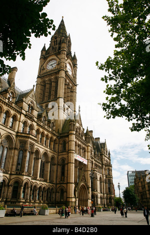 Aug 2008 - Manchester city Town Hall on Albert square Manchester England UK - Stock Photo