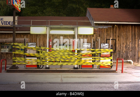 Gas station out of business - Stock Photo