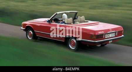 Car mercedes benz 350 sl r 107 convertible model year for Mercedes benz old models