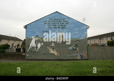 Hopewell crescent lower shankill belfast decked out with for Mural northern ireland
