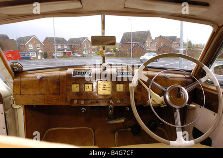 David Smith 1948 Austin sheerline motor car 2005 vintage motor car drive back in time Pic Crawford Brown 09 10 05 - Stock Photo