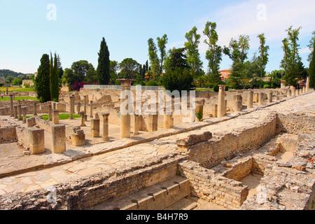 Old ruins of columns Vaison-la-Romaine Vaucluse Provence-Alpes-Cote d'Azur France - Stock Photo