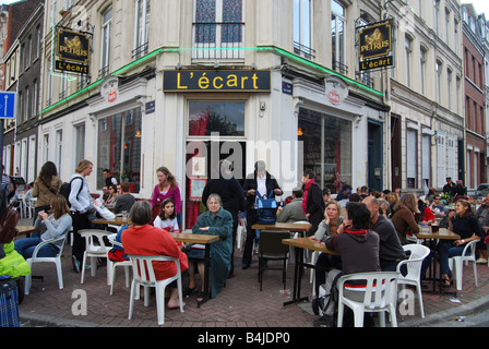having a break at a cafe l'écart at Lille Braderie France - Stock Photo