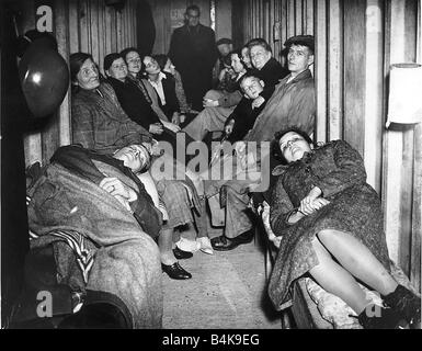 WW2 People sheltering in air raid shelter Oct 40 first two people on their honeymoon Lance corporal Mrs Knightley - Stock Photo