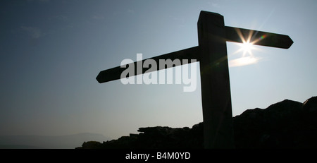 Signpost at Sulber Nick, with Pen-y-Ghent in the far distance, Yorkshire Dales National Park, England. - Stock Photo