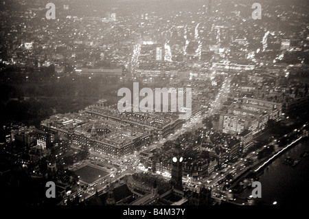 Aerial view of London November 1964 This picture from a helicopter flying at about 8000 feet over the thames shows - Stock Photo