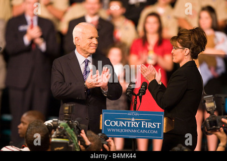 Sen John McCain announced Alaska Gov Sarah Palin as his Vice Presidential Candidate at Wright State University - Stock Photo