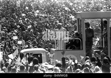 The Pope in Ireland October 1979 Pope John Paul II waves to the crowd from his pope mobile during his visit to Ireland - Stock Photo