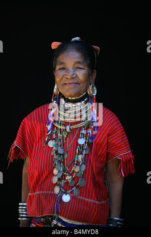 Portrait of an elderly Longneck woman Approximately 300 Burmese refugees in Thailand are members of the indigenous - Stock Photo