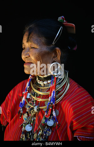 Portrait of an older Longneck woman Approximately 300 Burmese refugees in Thailand are members of the indigenous - Stock Photo