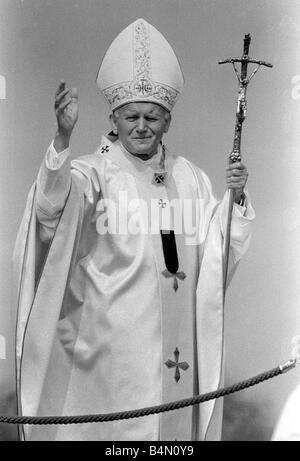 Pope John Paul II at Cardiff airport on his visit to Wales - Stock Photo