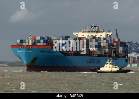 Maersk Line container ship, 'Kwangyang' port of Felixstowe, Suffolk, UK. - Stock Photo