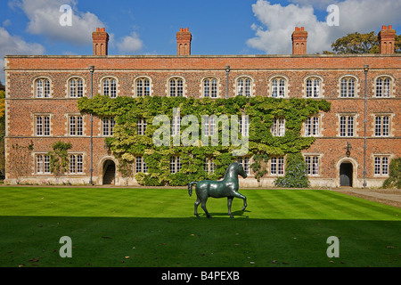 Barry Flanagan Bronze Horse.1983. First Court Jesus College.Cambridge. - Stock Photo