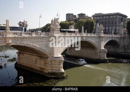 Vittorio Emanuelle bridge over river Tiber, Rome - Stock Photo