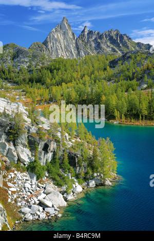 Perfection Lake and Prusik Peak in the Enchantment Lakes area of Alpine Lakes Wilderness, Washington - Stock Photo