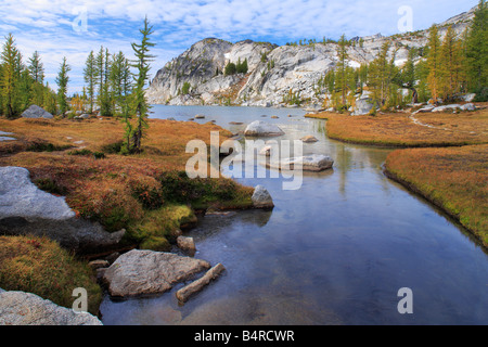 Creek entering Perfection Lake in the Enchantment Lakes area of Alpine Lakes Wilderness, Washington - Stock Photo