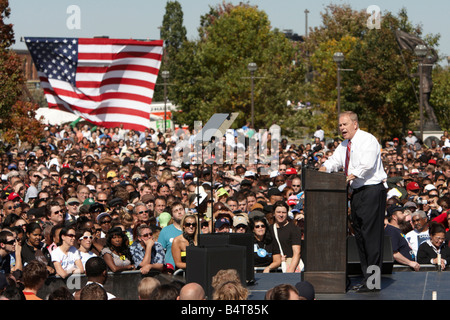 Ohio Governor Ted Strickland at a Rally for USA Democratic Party Presidential candidate Barack Obama in Columbus - Stock Photo