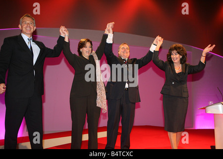 LABOUR PARTY CONFERENCE MANCHESTER 2006 JOHN PRESCOTTAND WIFE PAULINE ON STAGE AFTER SPEECH AT CONFERENCE WITH TONY - Stock Photo