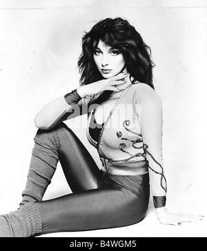 Pop singer Kate Bush poses in the studio wearing lycra leggings and pop sox August 1980 - Stock Photo