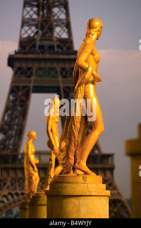 Palais de Chailot looking to Eiffel Tower Paris France - Stock Photo