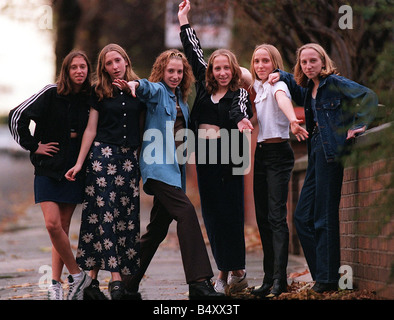 THE WALTON SEXTUPLETS NOVEMBER 1997 GROWING UP AS THEY APPROACH THEIR 14th BIRTHDAY FROM LEFT SARAH WALTON KATE - Stock Photo