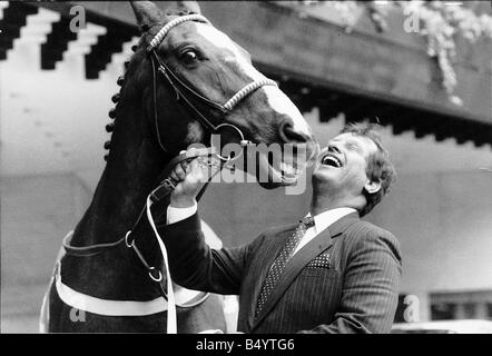 No46 Aldaniti with Bob Champion who together were the memorable 1981 Grand National Winners Owners Nick Embiricos - Stock Photo