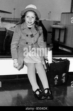 Lena Zavaroni Pop Singer at Heathrow Airport msi - Stock Photo
