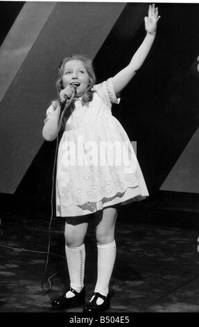 Lena Zavaroni Pop Singer aged 9 years old msi - Stock Photo
