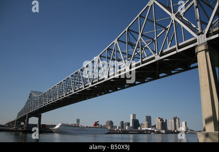 crescent city connection bridge with New Orleans skyline  November 2007 - Stock Photo