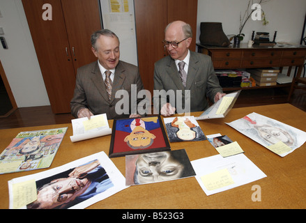 Pic James Vellacott Gilbert and George judging the Daily Mirror Tony Blair art competition - Stock Photo