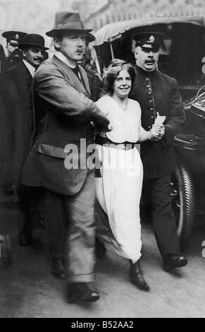 Suffragette Annie Kenney Arrested by Police Officers Oldham cotton girl Kenny joined the Women s Social and Political - Stock Photo
