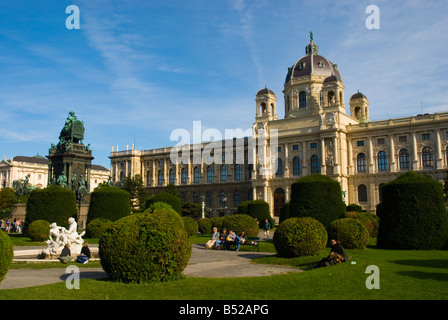 Maria Theresien Platz garden in front of Kunsthistoriches Museum art museum in central Vienna Austria Europe - Stock Photo